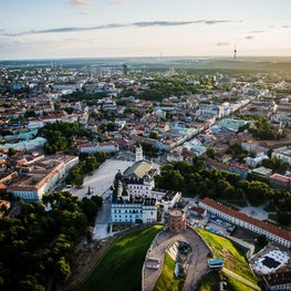 Airbnb and City of Vilnius sign agreement on automated collection of city tax