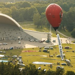 Call from the Air: Vilnius Invites Visitors With Impressive Flight of Hot Air Balloons