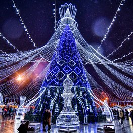 Chess Queen-like Christmas Tree Lit Up in Vilnius