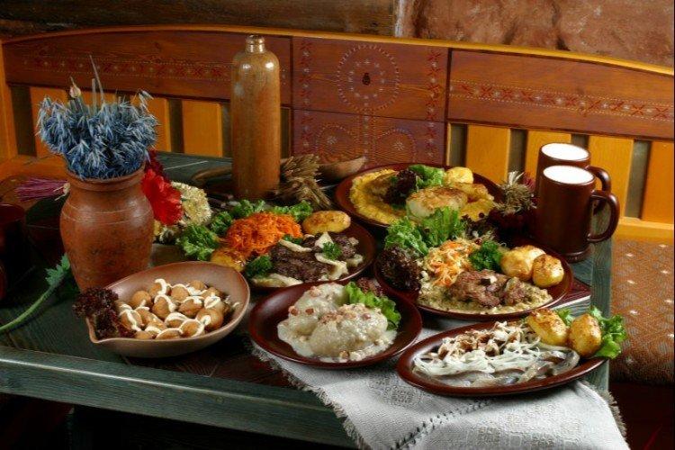 Restoranas Etno Dvaras (Pilies 16)