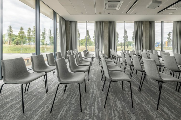Park Inn by Radisson Vilnius Airport Hotel & Business Centre