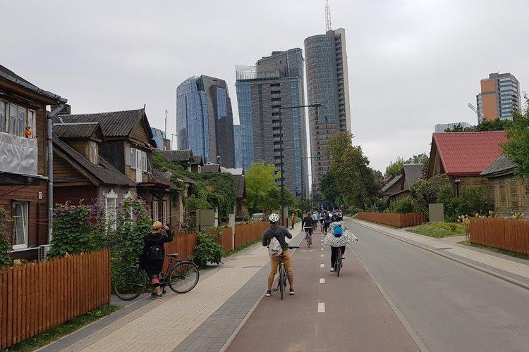 """Ekskursija dviračiais """"Vilniaus medinukų galerija"""""""