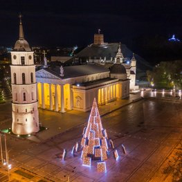 Light It Up: Vilnius Reimagines Christmas with Never-Before-Seen Christmas Tree and Digital Fairs